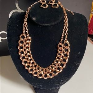 BNWT • fashion necklace with matching earrings